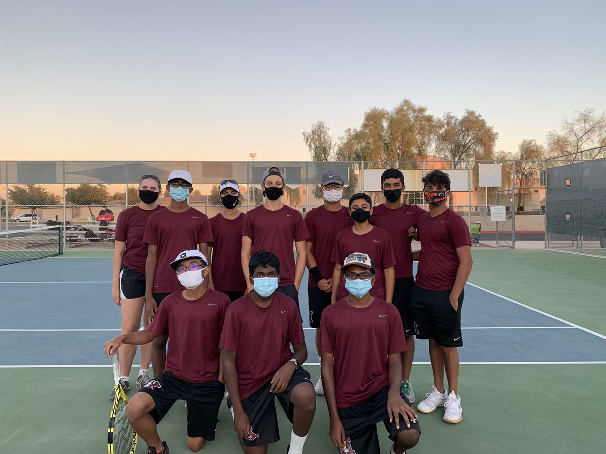 UNDEFEATED!  These outstanding athletes finished STRONG by defeating the Brophy A Team with a score of 5-4.  Congrats to these hard-working tennis players and to Coach Smith for finishing with an 11-0 record!  #Huskyproud #WOOF https://t.co/L7yL20neWd