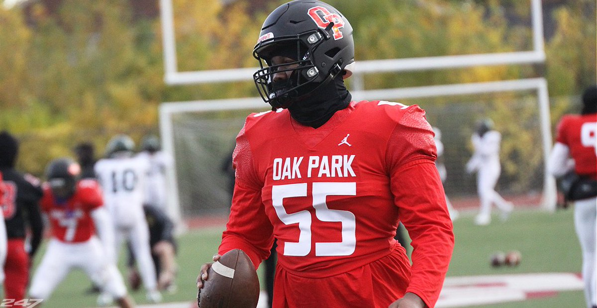 Oak Park (Mich.) DL Rayshaun Benny set to announce his commitment on @CBSSportsHQ -- details here: 247sports.com/Article/Raysha…