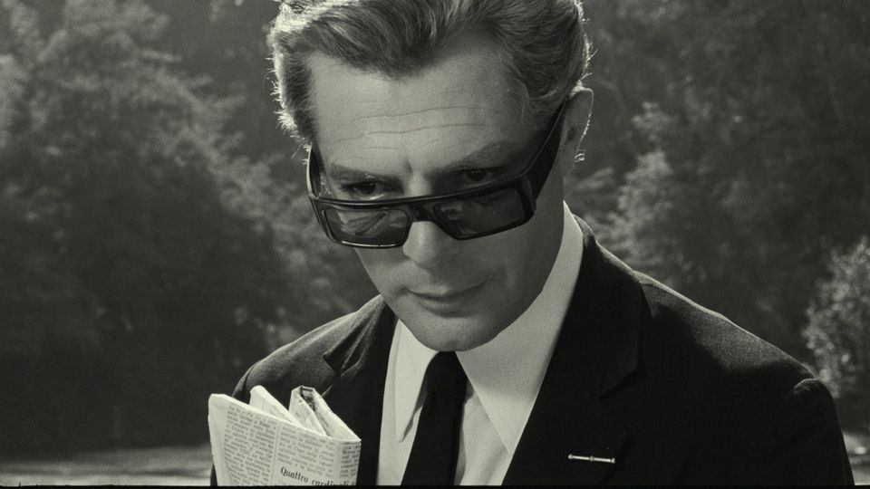 Quinta é dia de muitas estreias no Cinema! 🎥🤩 No @cinesescsp, a sessão presencial da semana é Oito e Meio, obra-prima de Fellini! O Cine segue com 1 sessão por dia, respeitando todos os protocolos de segurança. Mais  informações e ingressos no site: https://t.co/iqpmf0fIbG https://t.co/SMf18ncA3i