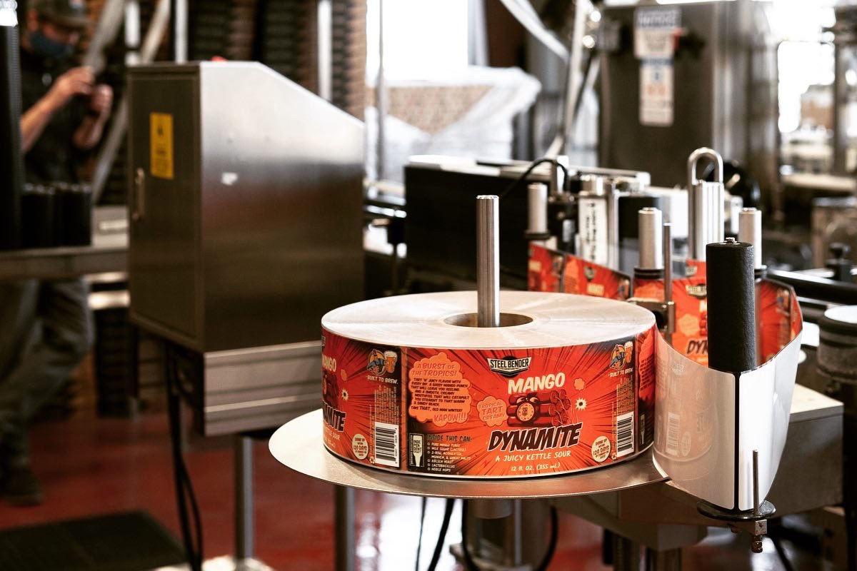 Hot off the canning line just in time for cooler temps...⠀ Mango DYNAMITE now available in 12-oz. 6-packs and on tap! ⠀ 🧨💥🍻 #BuiltToBrew #mangoDYNAMITE #kettlesour #NMCraftBeer #NMBeerLove #losranchosbrew #newmexicobeer #nmbeer #supportlocal #craftbeer #newmexico https://t.co/53GXFF9jie
