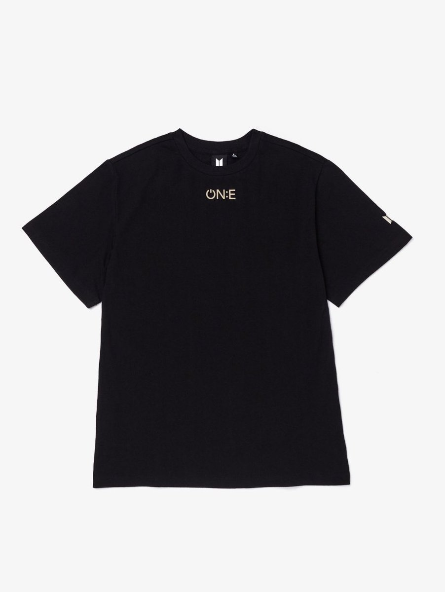 "SPONSORER GIVEAWAY: ONE:E TSHIRT   - Retweet and like - follow @synz_leg1t, @CASHBROS_ and @davidgokhshtein - Reply ""Done"" +++ I'm voting for BTS for Favorite Social Artist at the #AMAs @BTS_twt #BTS  Ends in 72 hours. ♡ https://t.co/szcCaOViea"