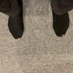 こんなときってあるよね!いつもは靴下破けてないけど、今日に限って破けてた時・最高に恥ずかしい!