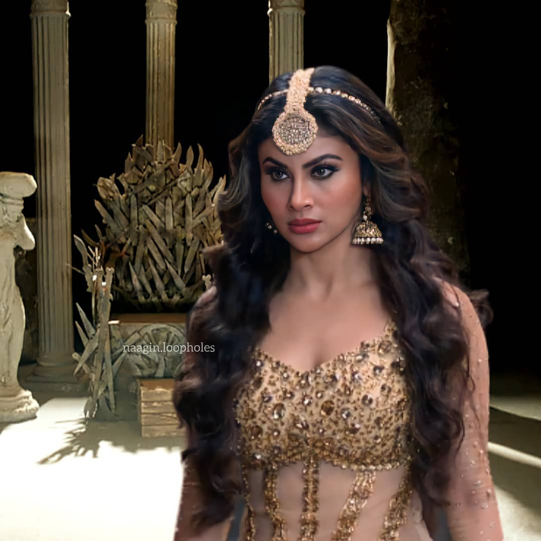 @TRPTV2 We want @Roymouni in #Nagin lead role...only #MouniRoy suit only in the role of #Naagin, She's perfect in all ways for this role💥🔥 #VishalFuria #ShraddhaKapoor