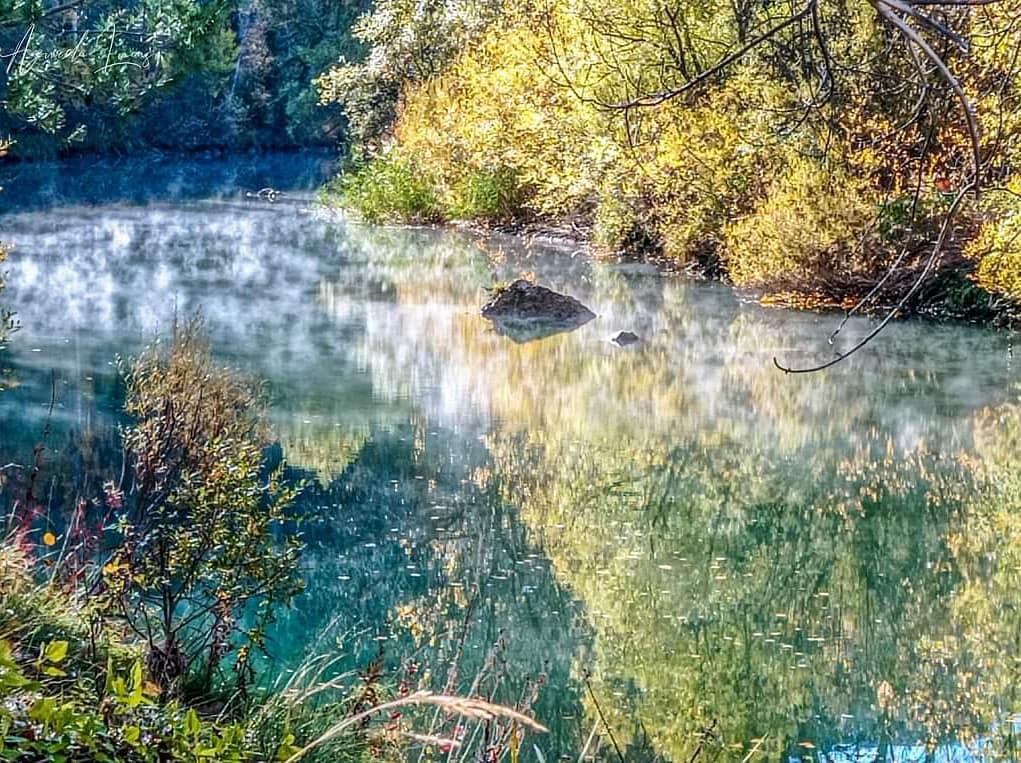 Feliz viernes y buen fin de semana, que se nos va octubre. Esa bruma por encima del río me fascina. . #foto #fotos #fotografia #otoño #cuenca #paisaje #landscapephotography  #total_castillalamancha #naturalmentecuenca #naturephotography #naturaleza #zascandileandoporcuenca https://t.co/pq0NKCtyty