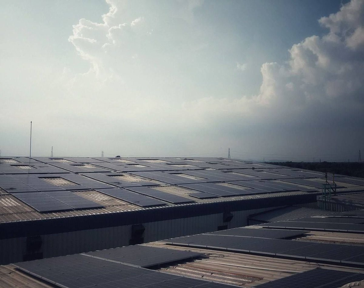 NSK Rane opting #Solar plant resulted in cost-saving and reduction in carbon footprints. The Project helped in saving worth 3210 sequestered trees, C02 offset is 340 tonnes, and 59 cars taken off-road. #RenewableEnergy #RooftopSolar https://t.co/8nMhLKCKvz