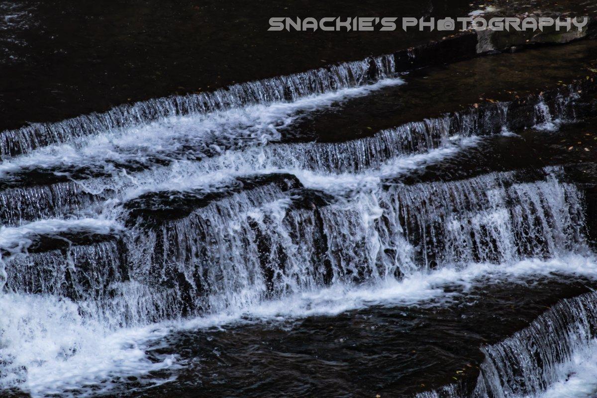 Waaaaater Faaaaall  #waterfalls #naturephotography #photograghy #cookevillestrong https://t.co/eHOrhGERfb