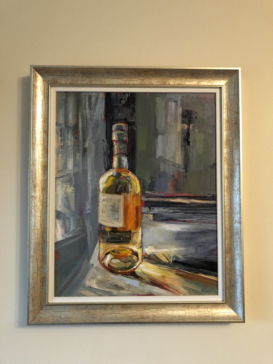 Framed Irish - looks stunning in its new home. #oiloncanvas #peinture #stillilfepainting #whiskey #painting #kunst https://t.co/potI06VoyY