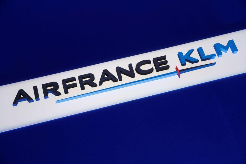 Air France-KLM warns of bigger losses amid lockdowns https://t.co/aLv0L0pnH5 https://t.co/1mwHCJ9lRN