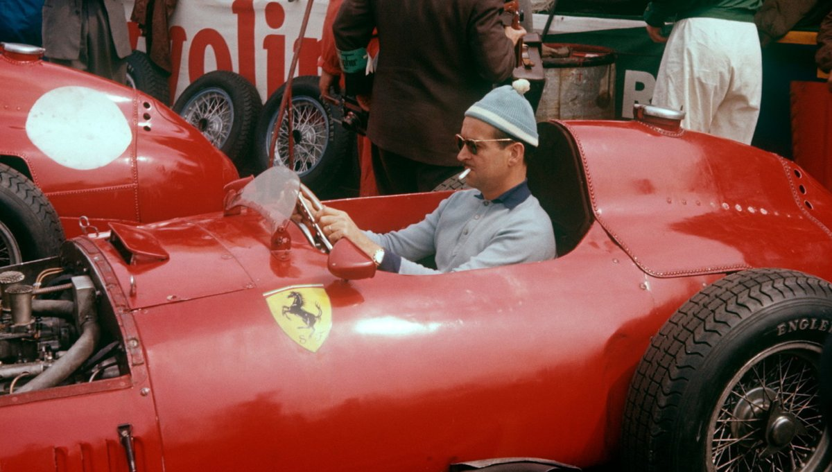 Remembering Maurice Trintignant, born #OnThisDay 1917, winner of 2 #F1 GPs, both at Monaco ('55, '58), & at #LeMans in '54 (with Froilán González), & a noted Languedoc-Roussillon winemaker in later life. Pic: Lancia-Ferrari D50, Aintree '57, bobble hat & ciggie present & correct. https://t.co/yNXfY9AGvA