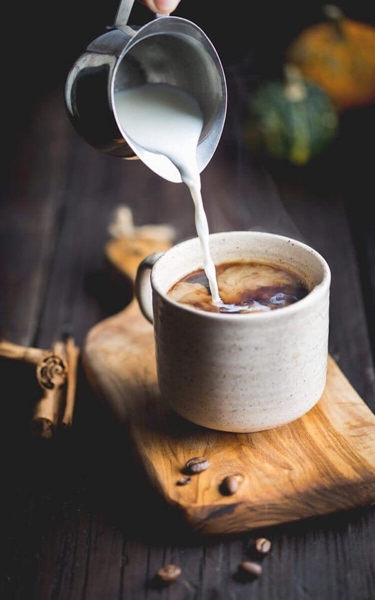 Café tardío, pero con leche sabe a la mañana.  #haiku cubano a lo café ☕ #BuenosDíasATodos 🌼💕 #FelizViernes 😘🌞 https://t.co/syBzpZrIkH