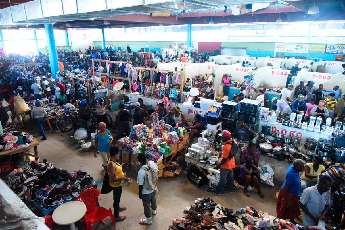 |#Economía | República Dominicana y Haití negocian reabrir mercado binacional cerrado por el COVID.  Leer aquí los detalles https://t.co/tbzEBtXtG9  #DiarioLibre #MercadoBinacional #CoronavirusRD #Pandemia #Comercio https://t.co/I1gTHQ9T5g