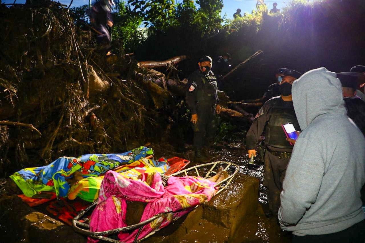 Tragedia en Nejapa: 35 desaparecidos, 6 fallecidos y 60 viviendas afectadas
