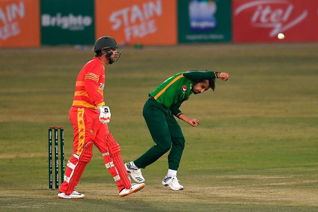 🇿🇼are 166-4 after 36 overs (Brendan Taylor 74*, Wesley Madhevere 25*) need 116 runs from 84 balls with 6 wickets in hand #1stODI | #PAKvZIM | #VisitZimbabwe | #ICCSuperLeague | #BowlOutCovid19