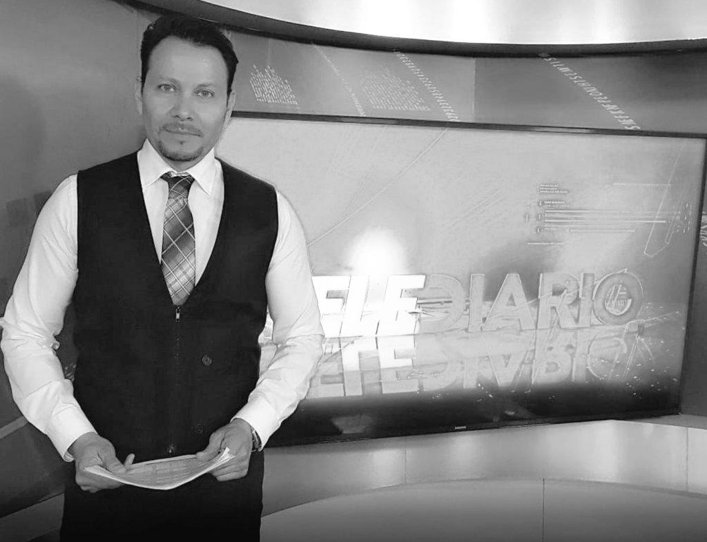 #Chihuahua Arturo Alba Medina, de 49 años, conductor de Telediario en Multimedios Televisión fue asesinado a balazos la noche de este jueves, a unos minutos de concluir su programa informativo. @RSF_esp @CPJAmericas @IFJGlobal @RELE_CIDH @ONUDHmexico @PropuestaCivica https://t.co/tmSd6v3JnM