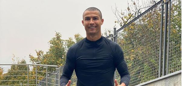 BLOG: Cristiano Ronaldo's unfortunately eventful quarantine  Cristiano Ronaldo is self-isolating as he still tests positive for Covid and @MichelleB289  looks at how events have unfortunately unfolded during his quarantine. https://t.co/dB3bAz18Dl #Juve #Juventus #CR7 #Ronaldo https://t.co/ItUPHYD6tb