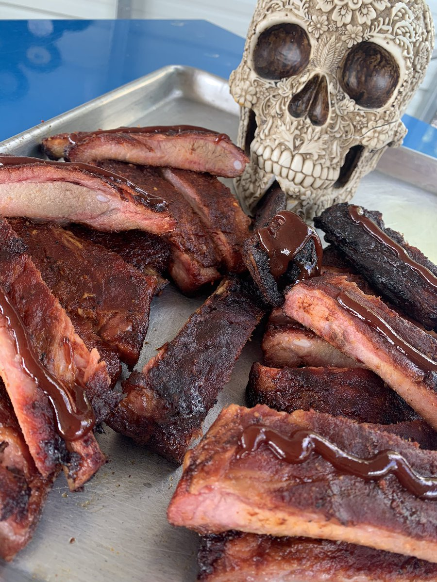 Are you ready for witches and ghouls? Wouldn't this be the PERFECT setup? Call me for buy one rack, get one half off through Saturday night! That's to @thesmokesheet for the idea! #chattanooga #charlieschattanooga #stlouisribs https://t.co/uP9sP7svdO