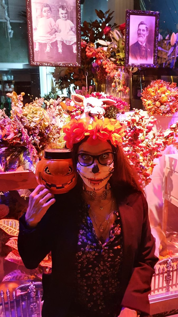 Implorando a los espíritus para que el gran @perlander aparezca por la #31beldurra #SemanaTerror #Donostia #SanSebastian #zinema #CulturaSegura #kulturaseguruada https://t.co/AJxdSem7Hi