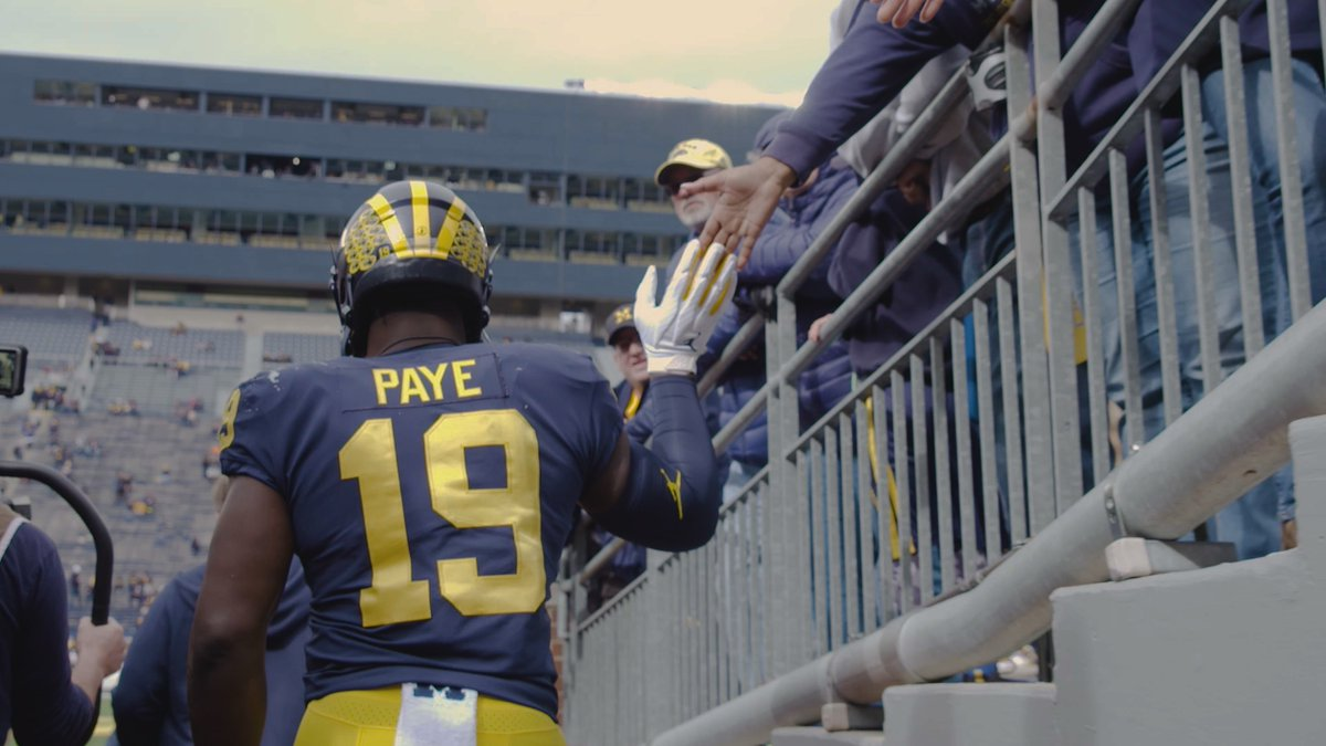 Tomorrow morning 9AM ET on @CollegeGameDay please check our story on @UMichFootball Defensive End Kwity Paye @KwityPaye_19 and his improbable journey from West Africa, to America, and to Ann Arbor. Reporter: Tom Rinaldi Producer: @Jonfish2 https://t.co/2fX6nr8Oqi