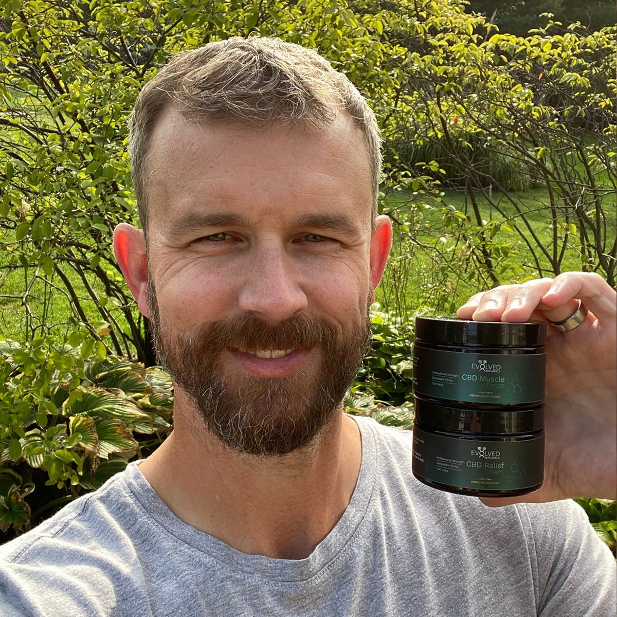 It's a TEAM here at Evolved Naturals. Not only do we invest our time into the brand, but we actually use the products...AND LOVE THEM 🌿 Meet Jeff • he uses our muscle freeze and relief cream to sooth sore muscles/skin #evolvednaturals #wellness  #allnatural #liveyourbestlife https://t.co/0a1DdnhFvi