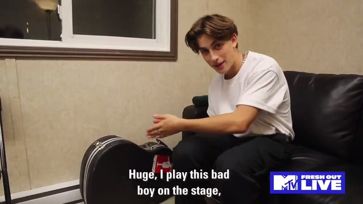 .@johnnyorlando takes us backstage during his first show in a year and shares his singing essentials! #MTVFreshOut
