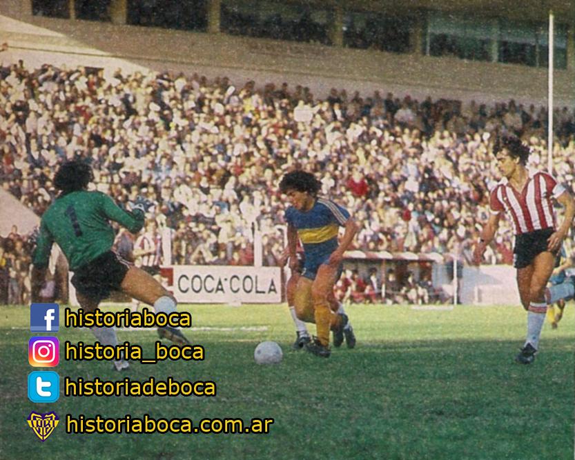 #Adivinanzas  ¿Quién hizo el gol? ¿En qué año? ¿Equipo rival? ¿Resultado? . . . . . #historiadeboca #trivia #die60 #futbol #argentina #xeneize #bostero #Boca #historiaxeneize #adivina #Diego #Maradona #felizcumpleaños #cumpleaños #cumplediego #cumple10 #gol #goles #golazo #futbol https://t.co/vqdkIcmXEf
