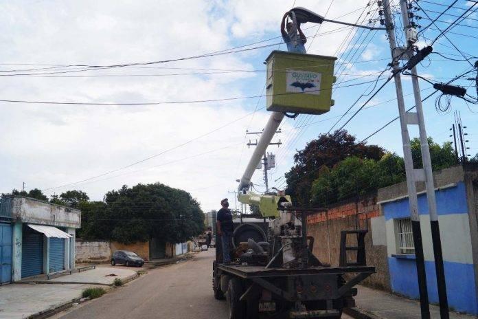 #30Oct    Alcalde Gutiérrez inspeccionó rehabilitación de alumbrado en bulevar Rómulo Gallegos.   ⏩https://t.co/i8qh6hAFEH  #30Octubre #BuenosDiasATodos #FelizViernes https://t.co/qZQCrwxVI1