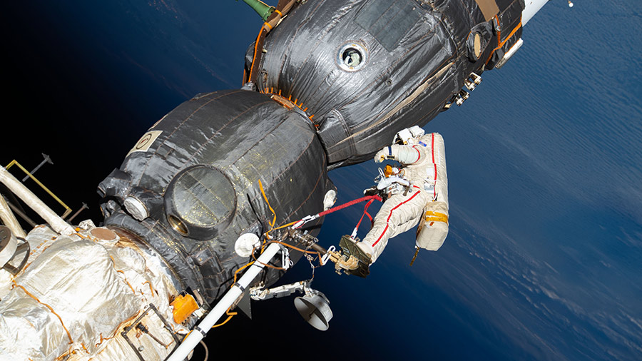 The Exp 64 crew is looking ahead to its first spacewalk in November while working space botany and CubeSats today. More... go.nasa.gov/31SL6Cz