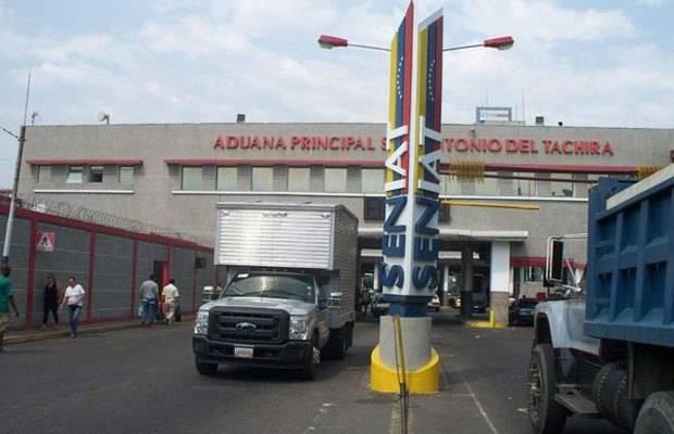 #30Oct    Más de $6 millones se han dejado de percibir en la frontera del#Táchira.   ⏩https://t.co/VgSTss2Zn4  #BuenosDiasATodos #FelizViernes https://t.co/zd8khwkODU