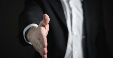 """Soft Skills de los #Vendedores #Profesionales. 6 destrezas indispensables - A diferencia de las habilidades técnicas que son relativamente fáciles de enseñar y medir, las """"soft skills"""" son algo más «confusas». Inc... - https://t.co/SrpSIzJPPs  #SoftSkills https://t.co/l5QD3PC1Jj"""