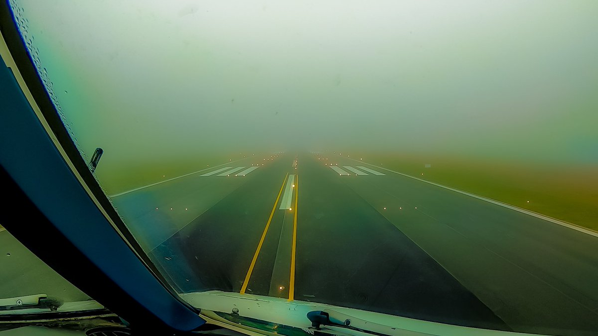 ✈️ Airbus A340 Fog Takeoff from Brussels Charleroi ==================== 🎥 WATCH VIDEO ➡️ https://t.co/VYw2y2ANhA ==================== #pilots #pilotlife #pilotsview #avgeek #avgeeks #airbus @CRL_Airport #GoPro https://t.co/gpPu3C25xK