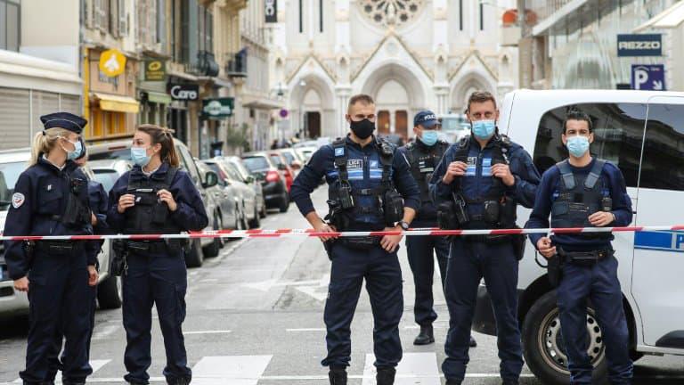 ALERTE INFO. Attaque au couteau à Nice: une deuxième personne en contact avec l'assaillant interpellée https://t.co/ZEo70lM1T6 https://t.co/X37Hf1UE2T