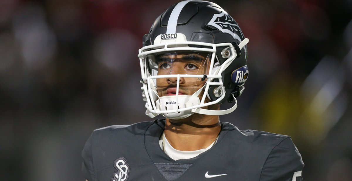 No high school QB has been as battle-tested as DJ Uiagalelei. @GregBiggins expects the Clemson QB to be ready for the big time Saturday vs. Boston College 247sports.com/Article/DJ-Uia…
