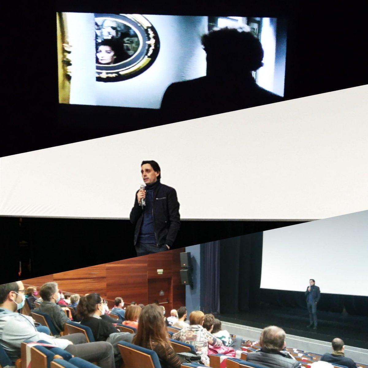 Emocionados de haber podido celebrar estas sesiones dedicadas a Argento y Bogdanovich. Ha sido un festival diferente, reducido en eventos y salas, pero grande en cine, con seguridad y con una estupenda acogida por parte del público. ¡Gracias! #CulturaSegura #Cine #Pamplona https://t.co/aLdQDfymTq