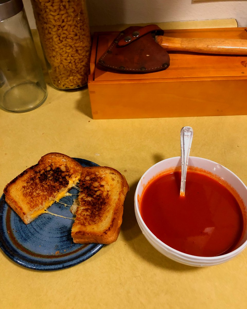 Tomato soup and grilled cheese the #Missoulaway. Organic tomato soup from the good #Foodstore and grilled cheese with bread from #LePetit 🍅🧀  #DIDO #DIDOPerspective #DayInDayOut #Perspective #Thursday #ThursdayThoughts #Montana #Missoula #MovingForward #BePostive https://t.co/nvU1Ujy79G