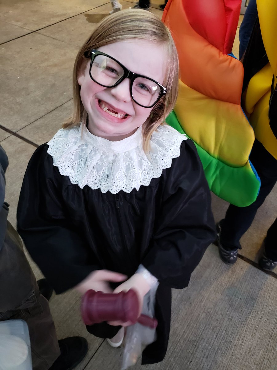 When she was 7, in 2019, we went with two costumes again. Her idol, the late great Ruth Bader Ginsburg. https://t.co/GCq6gkOZVl