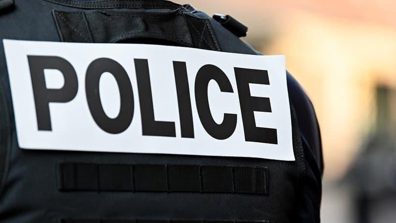 Lyon: l'homme armé d'un couteau arrêté jeudi présenté au parquet samedi https://t.co/TO62fcZkXS https://t.co/s1FrYsQ6QJ