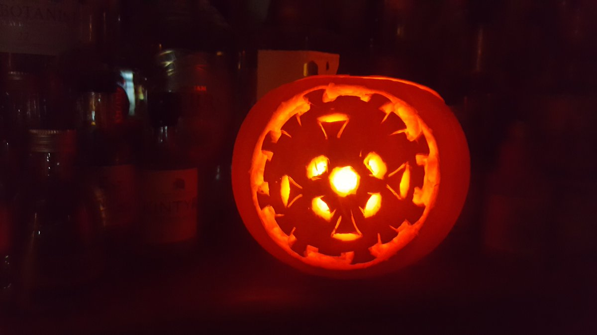 Ok, so it's *meant* to be coronavirus, but if you think it's a demonic snowflake then that's fine too... Happy Hallowe'en weekend! https://t.co/4M9amtlFK7