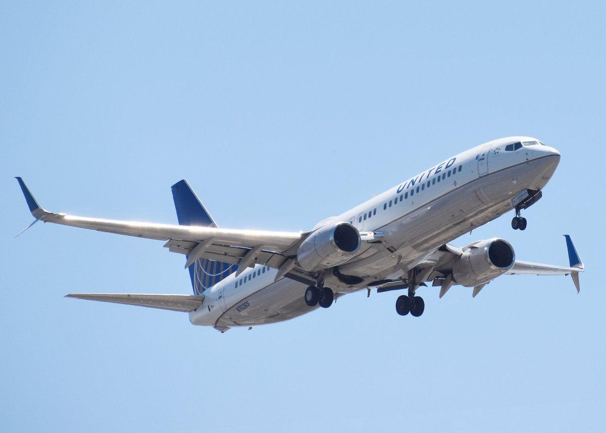United 737-800 from Denver! #united #unitedairlines #boeing #boeing737 https://t.co/Arpi5BvbYs
