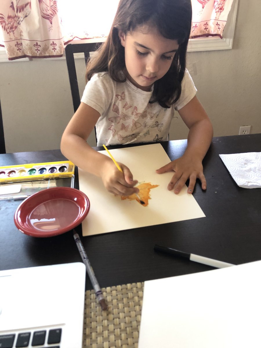 Look at this adorable #Compass #scholar with her beautiful #fall #watercolor #art! 🧡💙 #FieldTripFriday  #ScholarsFirst #ChooseCompass #CompassExperience #OnlineLearning #VirtualLearning #CompassFam #ScholarCentered #PersonalizedLearning #GoldStandard #Innovation #Onward https://t.co/3FtGtWJYzK