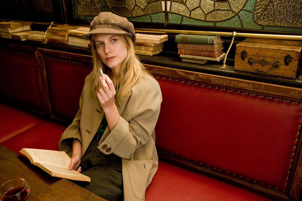 "oiᴎoƚᴎA på Twitter: ""Me gustó muchísimo el trabajo de Mélanie Laurent  (Shosanna) en ""Inglourious Basterds"" (2009)...… """