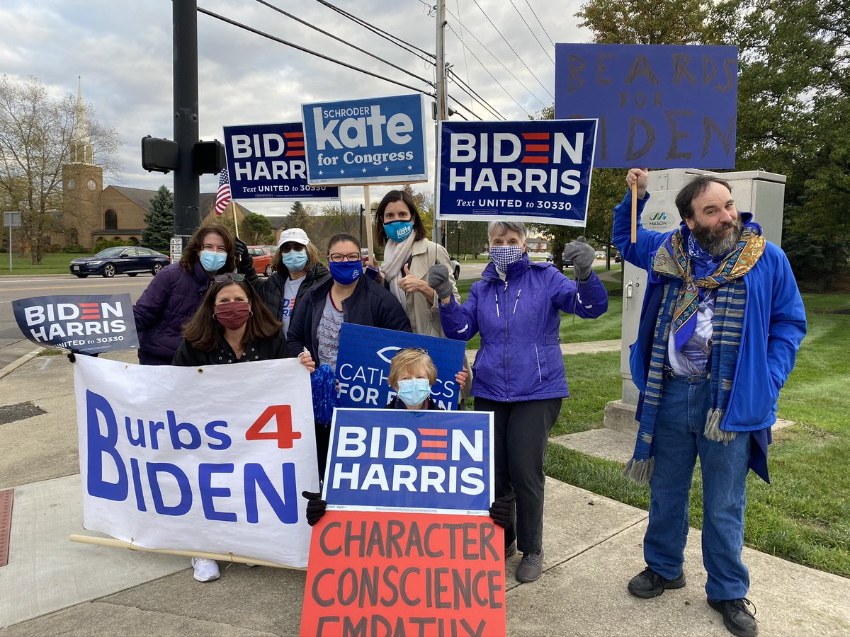 We had a great Honk & Wave in Mason tonight! So much excitement and a huge coalition voting for Democrats up and down the ballot this election! #TimeForChange https://t.co/FOxPL3zyS6