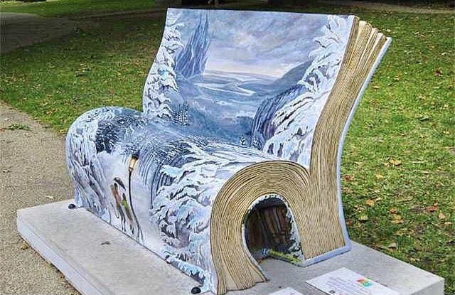 Have a seat... #ArtfulWorld #Books #Bench #London #TheLionTheWitchAndTheWardrobe