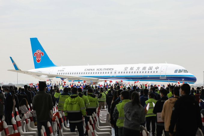 Airbus China has delivered the 500th A320 aircraft from its Final Assembly Line in Tianjin Municipality. The Airbus A320neo was delivered to China Southern Airlines  @Airbus #Airbus #Aircraft  @CSAIRGlobal #aviation #airplanes #China #airbus320 https://t.co/PFdRvvgXeV