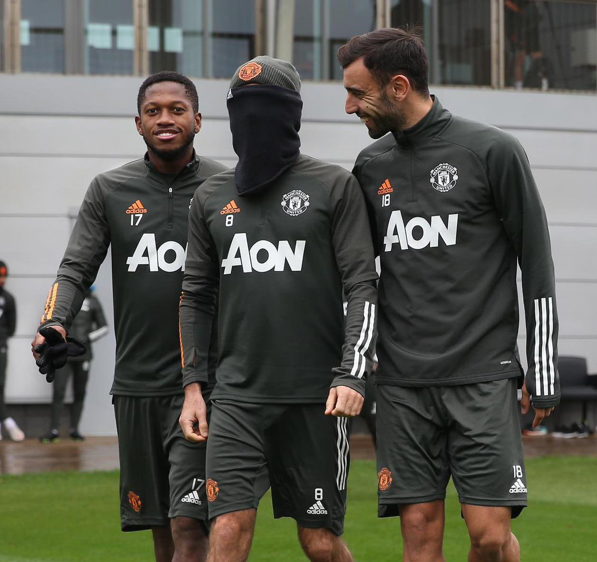 Don't forget to use your masks, right @juanmata8 ? 🤪