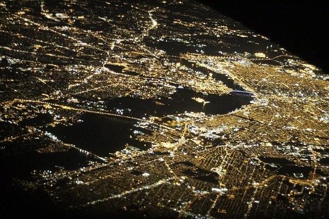 Photo By egorshitikov | Pixabay - via @Crowdfire    #newyork #flight #night #drones #aviation #airplanes #businesstravel #drone https://t.co/9KfwzEiZwD