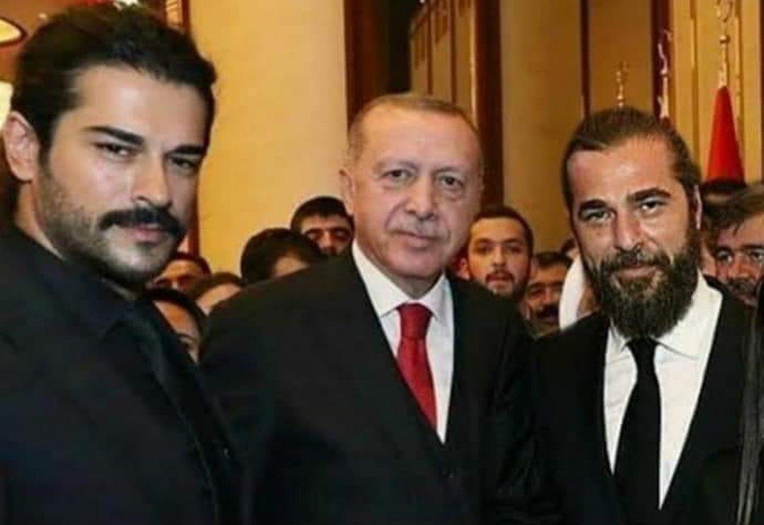 My Favourite Heros in one Frame❤😍 #ertuğrulghazi #KurulusOsman #RecepTayyipErdogan https://t.co/RlszWJNb5t
