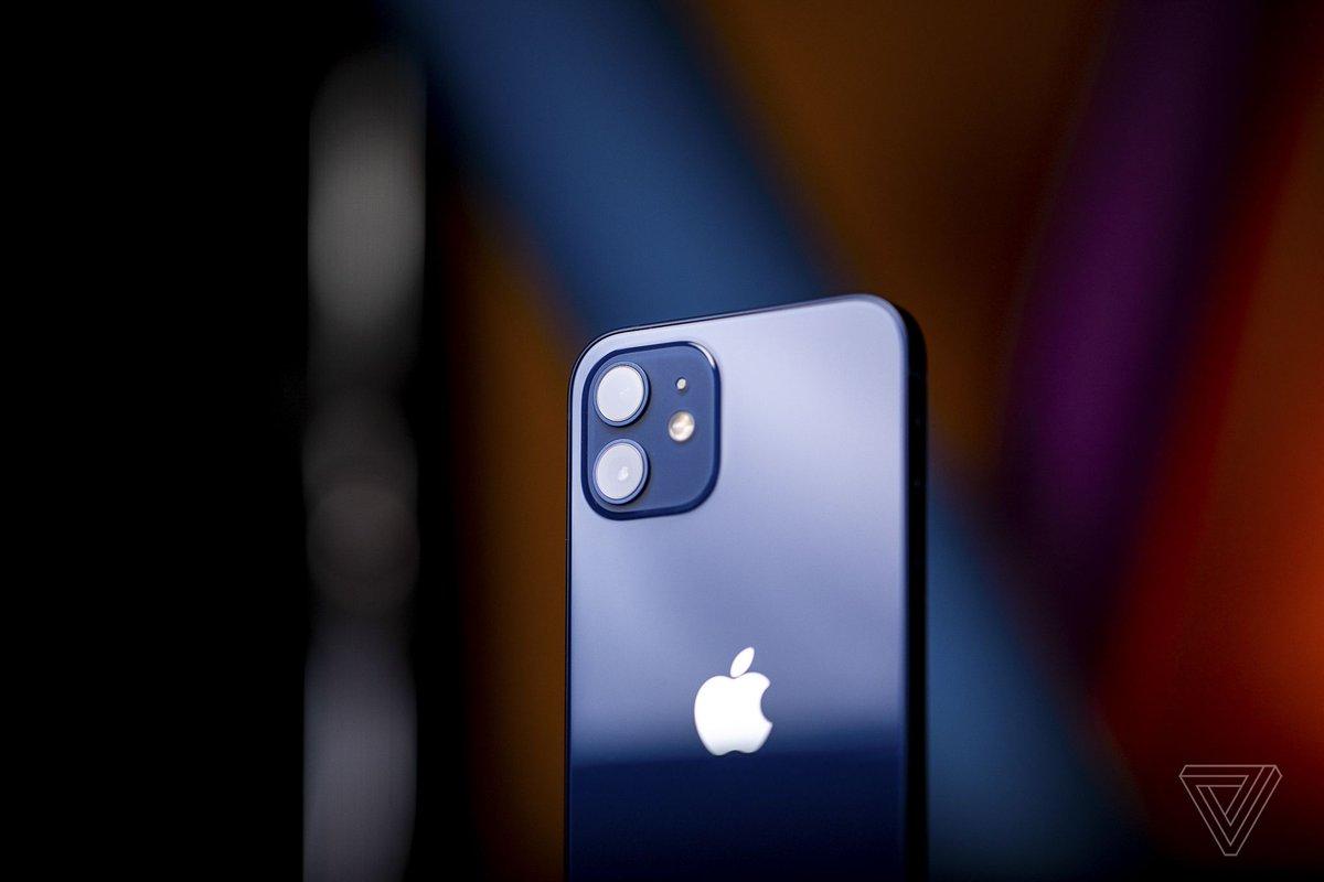 iPhone 12 vs. 12 Pro: The Vergecast discussion