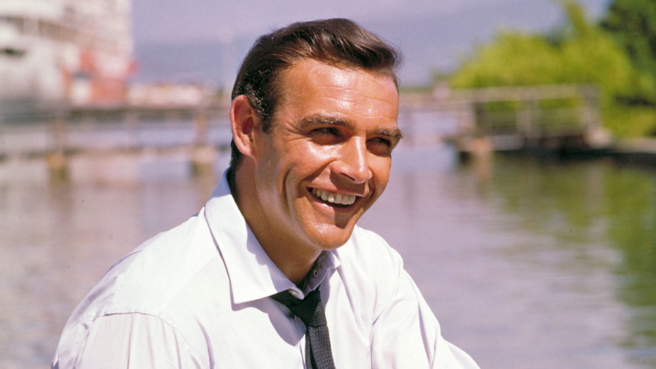 Sean Connery, the first and ultimate James Bond, dies at 90 thr.cm/wUnXcr1