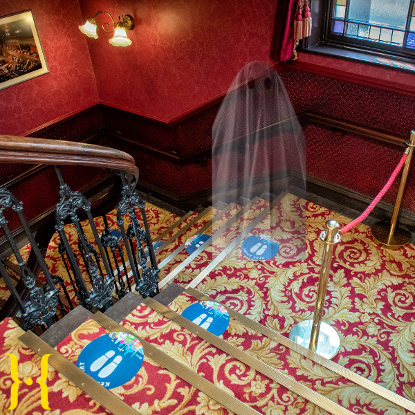 👻 🎃 If you're visiting City Varieties over the weekend for one of our screenings (Saint Maud anyone?) we've recruited a new member of staff who's very keen to help you find your way around 👻 🎃 . #Leeds #Halloween #LeedsTheatres #TheatreGhosts https://t.co/F03LInixip