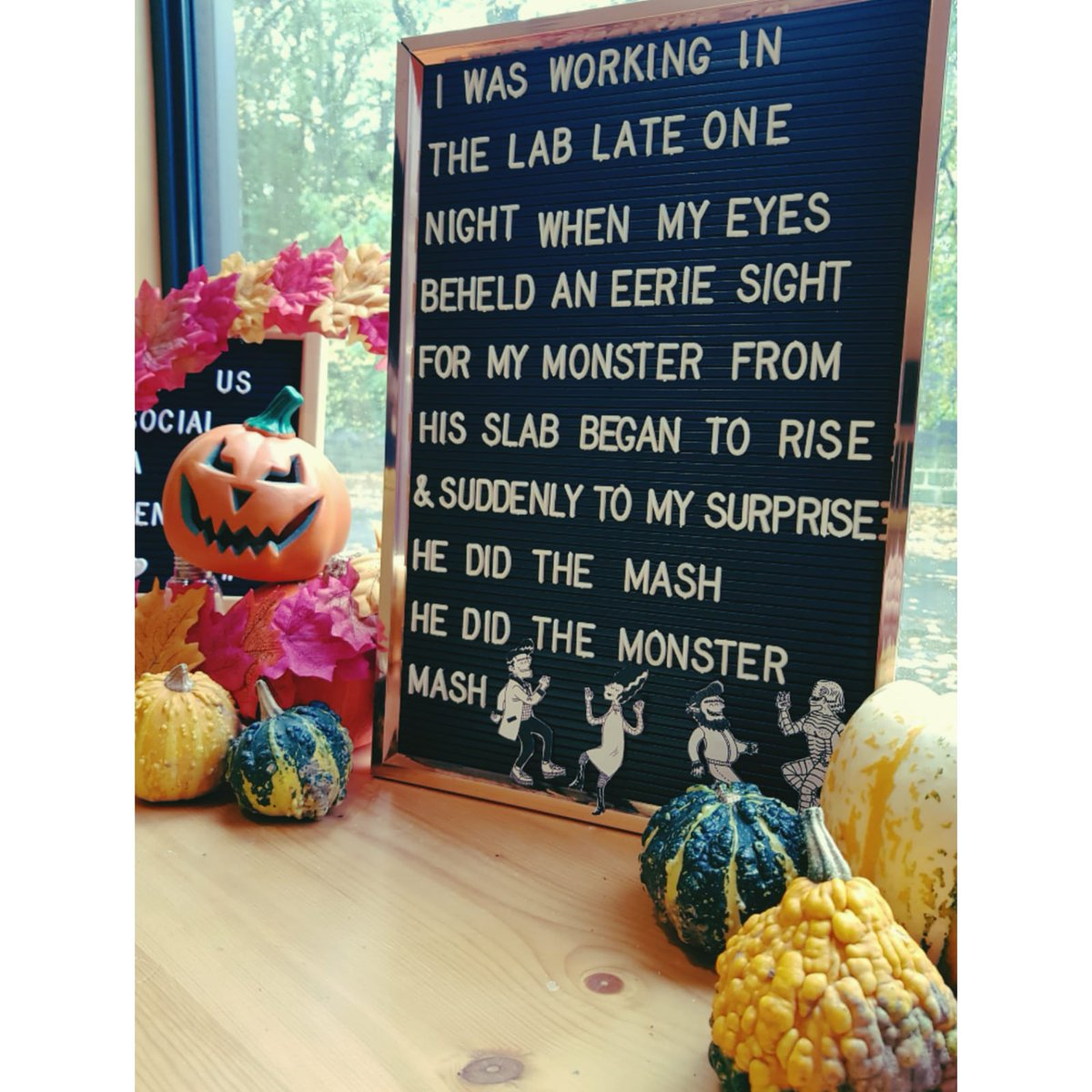 He did the mash, he did the monster mash! 👻🧛🧟  Happy Halloween - whether you're trick or treating, having a  pumpkin carving competition or indulging in a scary movie marathon with all the popcorn- enjoy & be safe!  🎃 #halloween #pumpkins #monstermash #trickortreat #leeds https://t.co/MeHWGGAa3k